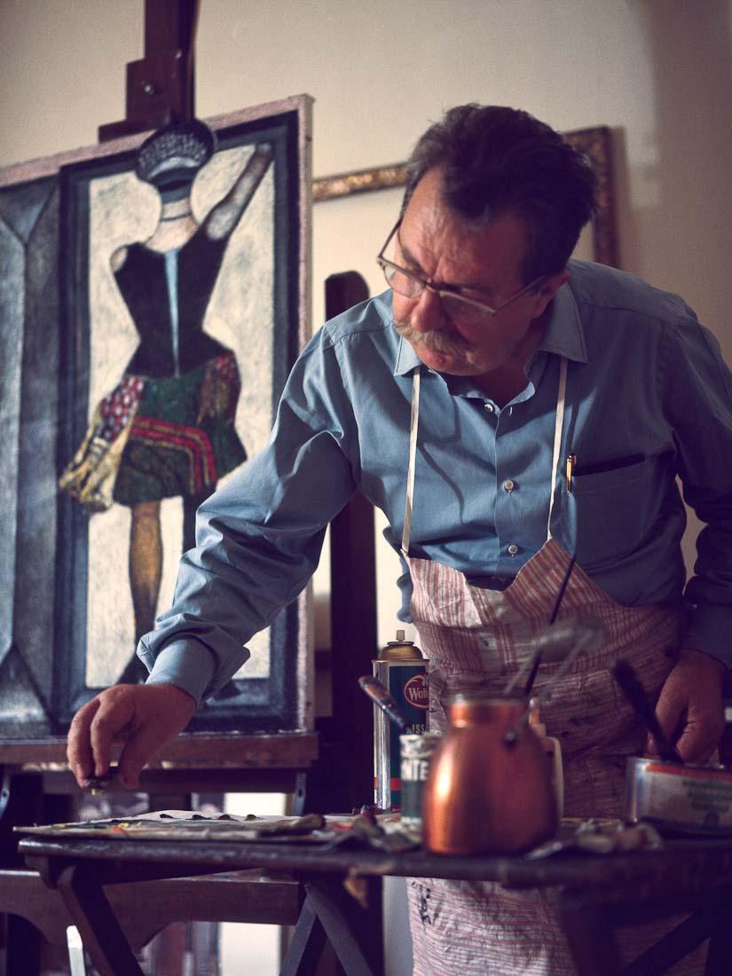 Franco Gentilini al lavoro nel suo studio - © Franca Parisi Baslini
